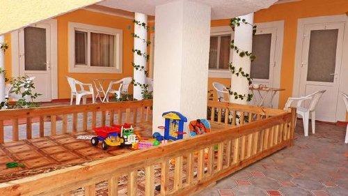 мини гостиница золотой лев песчаное: